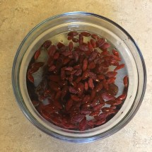 Soak goji berries and dates for an hour.