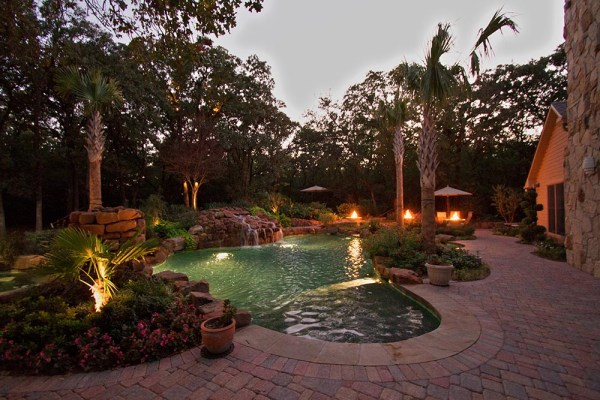 outdoor lighting pool and landscape