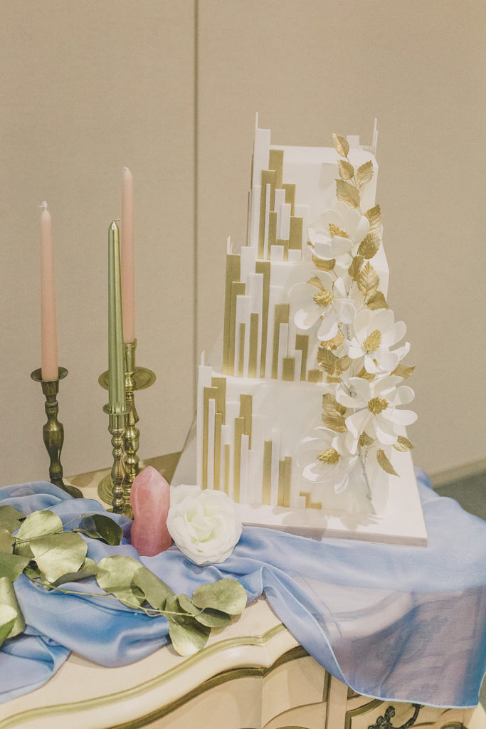 Park MGM wedding cake photographed by Taylor Made Photography