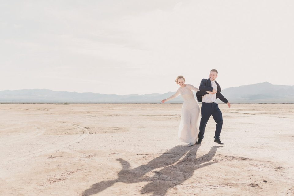 intimate elopement wedding portraits in Nevada with Taylor Made Photography