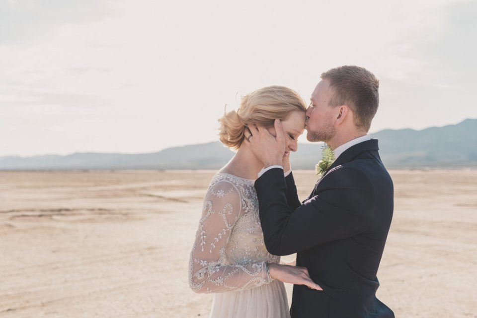 Nevada elopement photographed by Taylor Made Photography