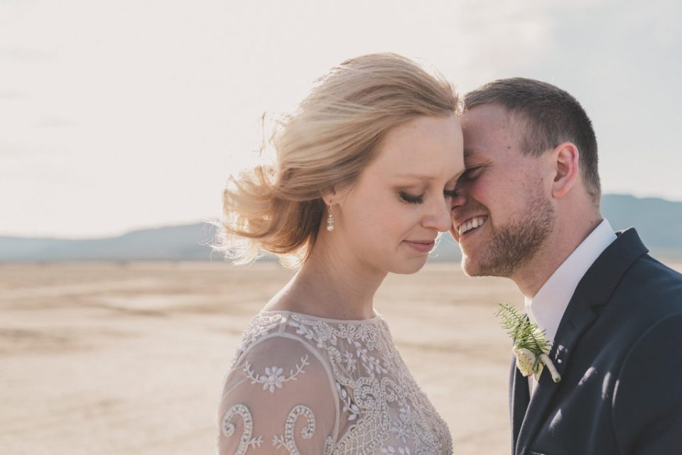 romantic elopement portraits in Nevada by Taylor Made Photography