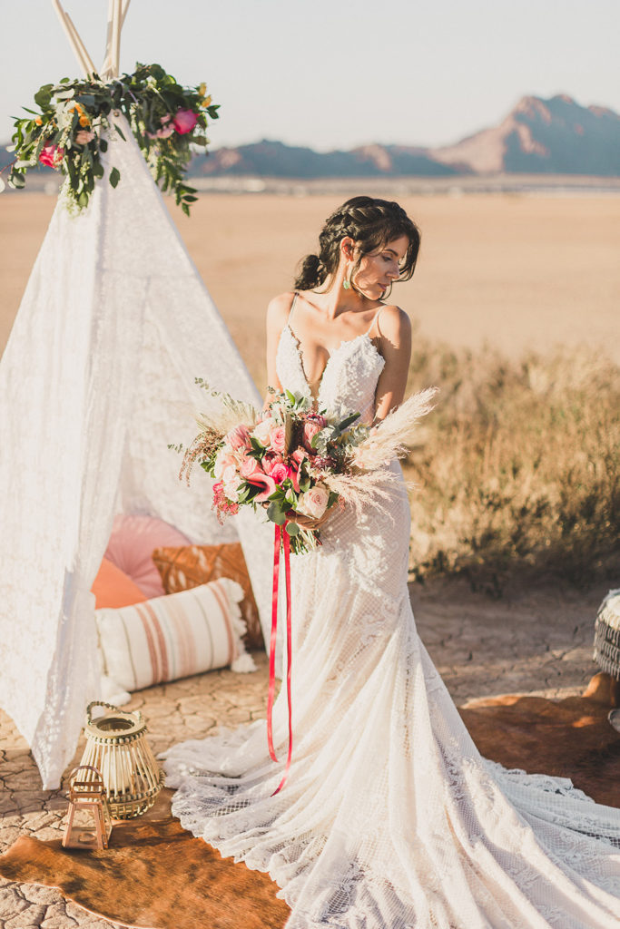 Las Vegas boho inspired elopement photographed by Taylor Made Photography