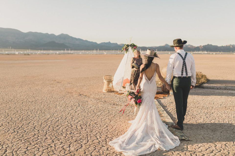 boho elopement on dry lake bed in Boulder City NV with Taylor Made Photography