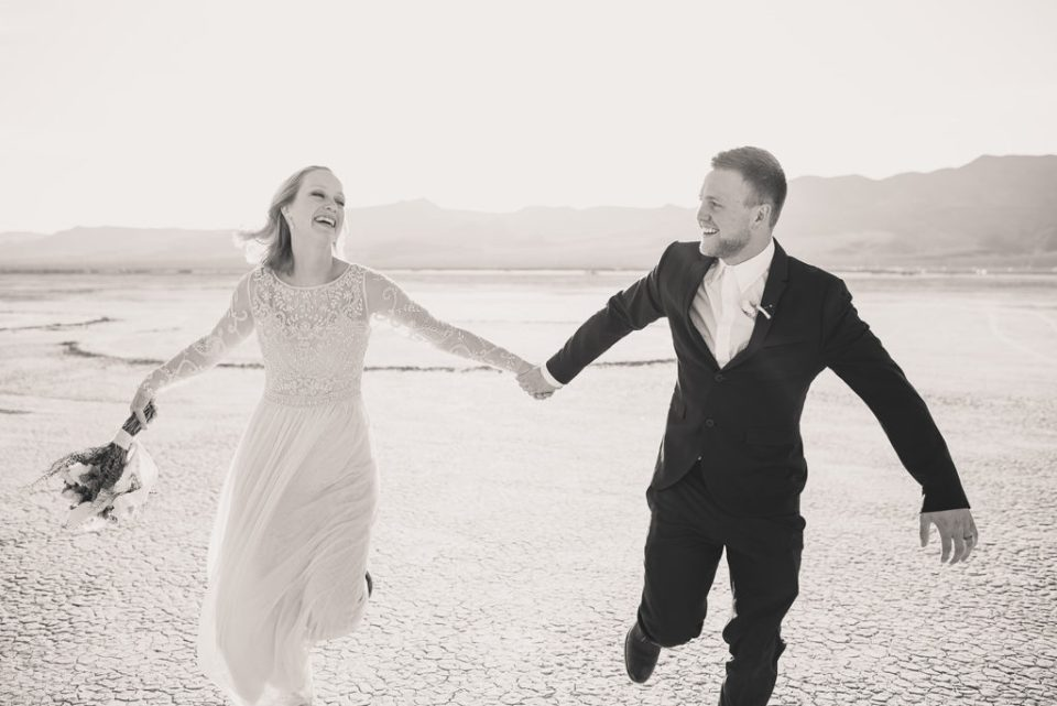 Taylor Made Photography and local Las Vegas wedding vendors plan elopement giveaway
