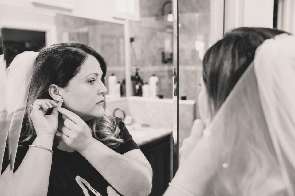 at home wedding day prep with Taylor Made Photography