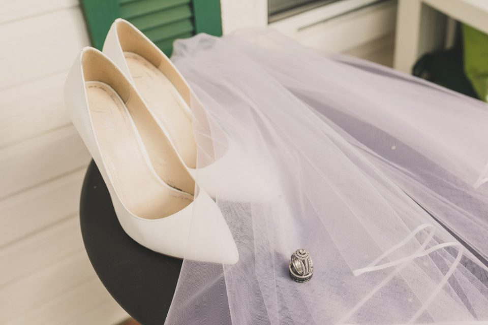 Taylor Made Photography captures bride's details in Brea, CA