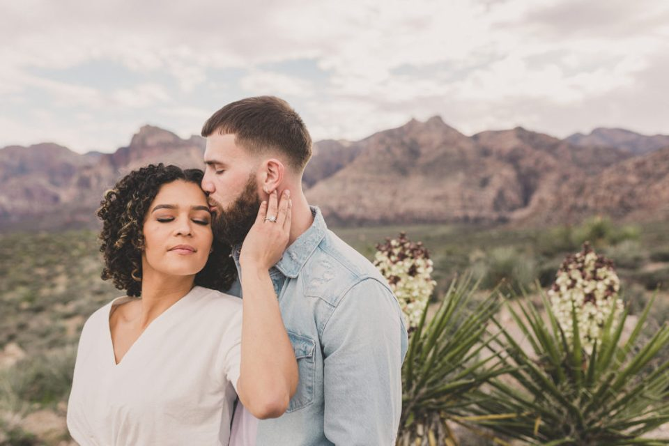 Taylor Made Photography photographs Las Vegas couple's engagement session