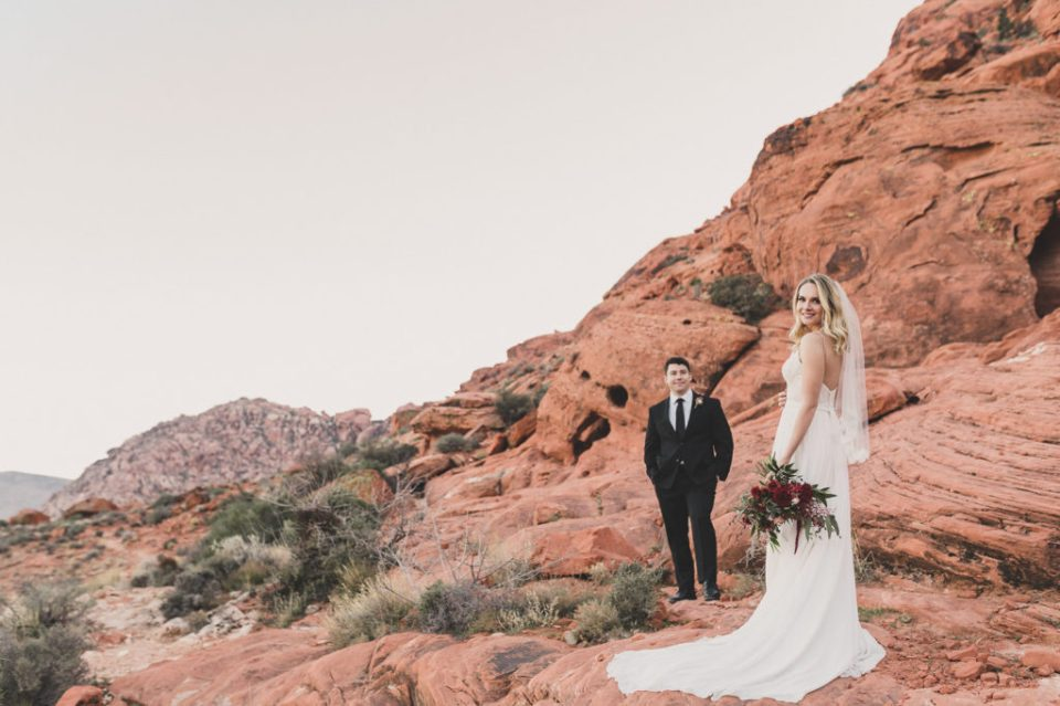 Taylor Made Photography photographs bride and groom portraits in Red Rock Canyon