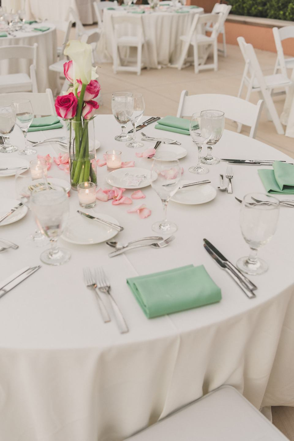 table settings with mint napkins for The Westin Lake Las Vegas wedding reception
