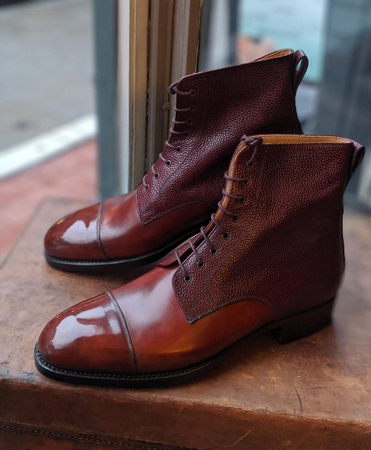 Vass Theresianer boots gold