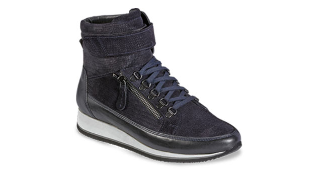 Ladies casual boot zip laces suede