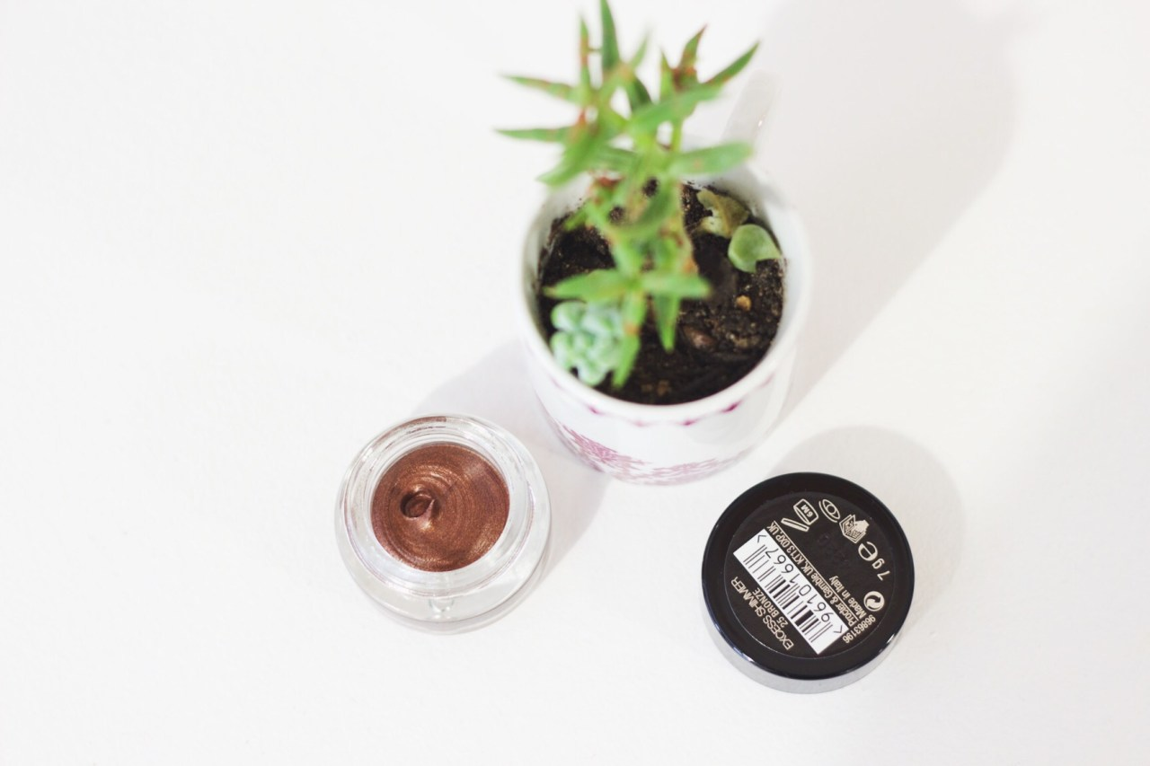 Max Factor Excess Shimmer eyeshadow in Bronze - review by south african beauty blogger
