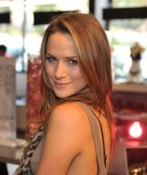 Shantel-VanSanten-Attends-Alex-And-Ani-s-Create-your-own-Bangle-Bar-Launch-Party-one-tree-hill-12981287-251-300