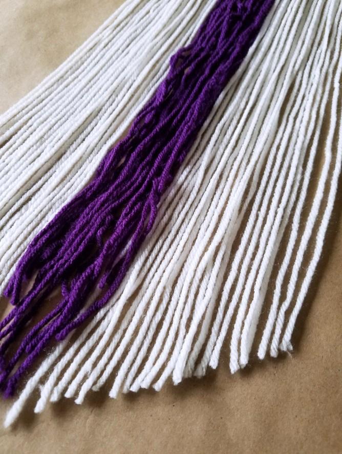 DIY Boho Yarn Wall Hanging 9