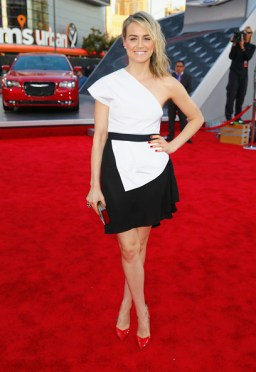2014 American Music Awards Red Carpet Arrivals Featuring The All-New Chrysler 300S
