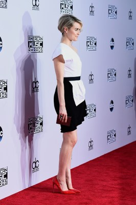 2014 American Music Awards - Red Carpet
