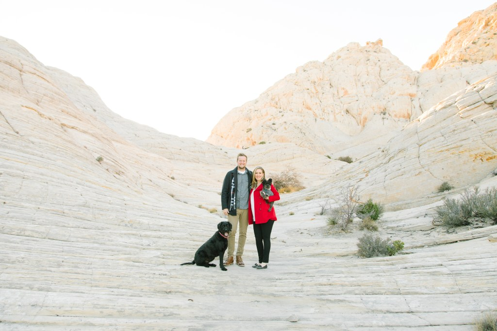 christmas family photos, photos with dogs, family photography, southern utah