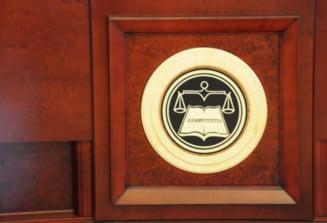 CCR: Modificarile la Codul Penal sunt partial neconstitutionale. Pica noua definitie a abuzului in serviciu