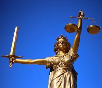 Kovesi, Lazar si Danilet, bombardati cu sesizari la Inspectia Judiciara