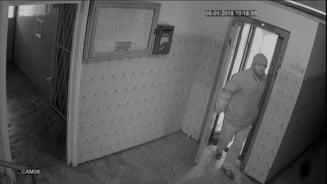 Noi imagini cu barbatul care a agresat sexual doi copii in lift. Cine l-a vazut sa sune la 112 (Foto)