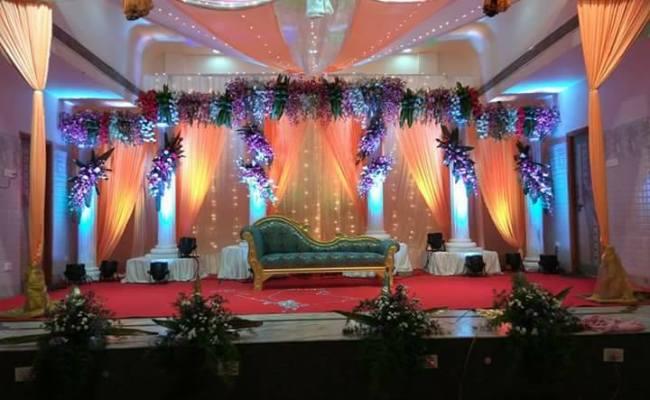 Fabric Draping And Pillar Decoration Tbg Bridal Store