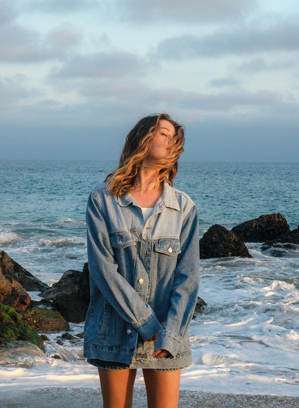 Wardrobe staples from 4th and Reckless and Influencer Jourdan Sloane