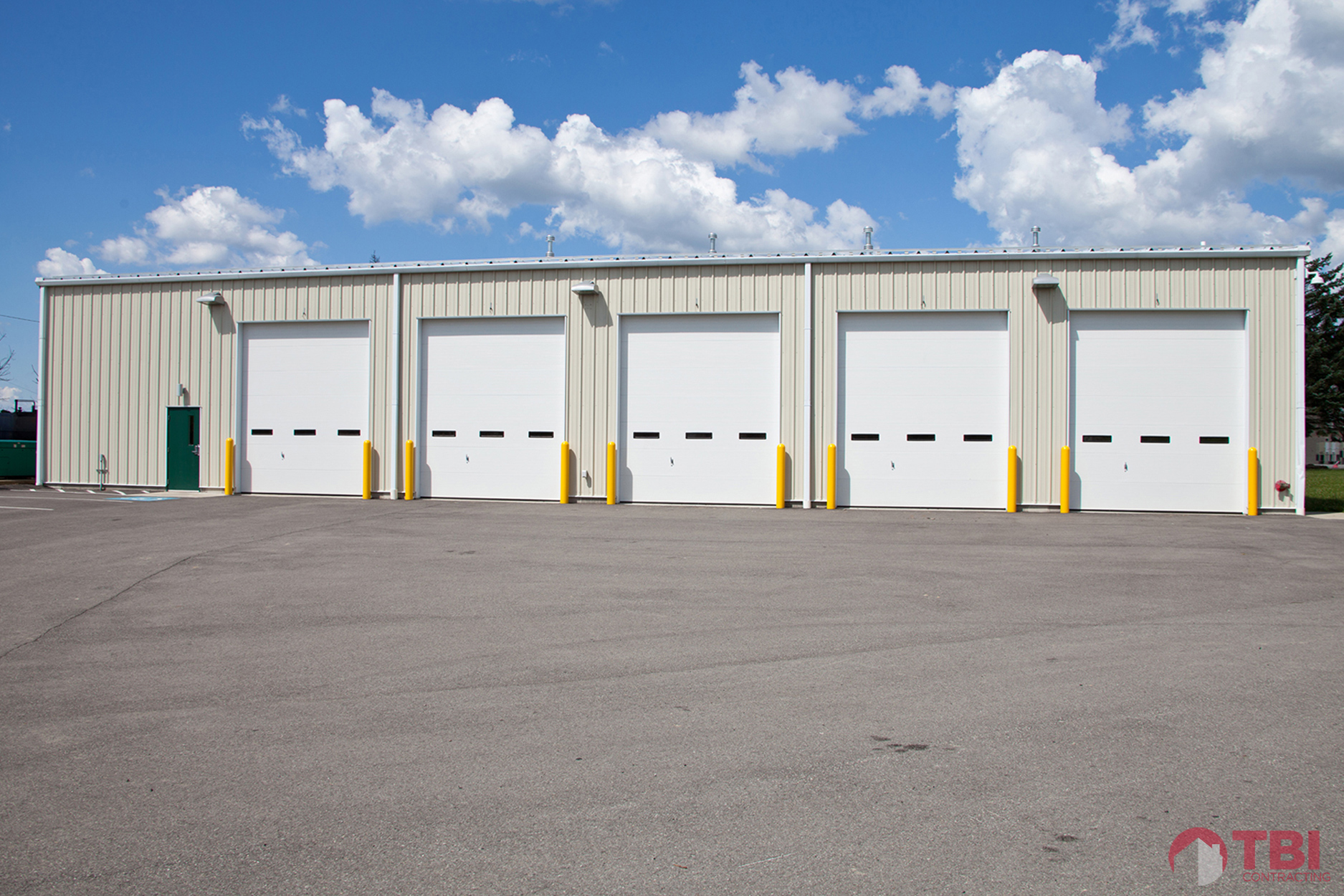 https://i0.wp.com/tbicontracting.com/wp-content/uploads/2015/05/north-park-equipment-garage-by-tbi-3.jpg?fit=1875%2C1250&ssl=1
