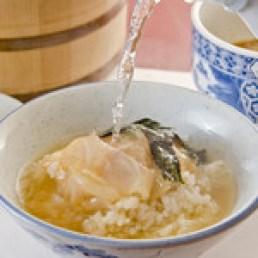 """割烹よし田 - これが よし田名物 """"鯛茶"""" (1050円) 県外からもわざわざ食べに来て頂いてます。ランチ可。"""