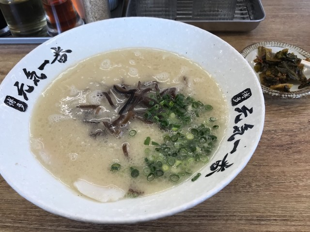 博多元気一番‼︎ 箱崎店のラーメン