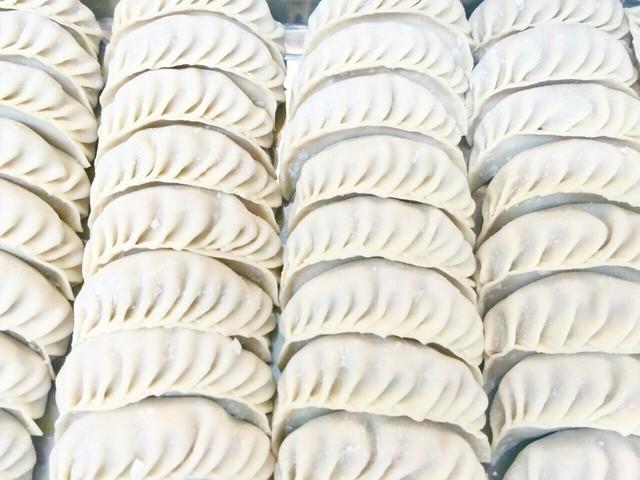 舌舞餃子のラーメン