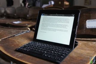 Zagg Keys PROfolio+ Test