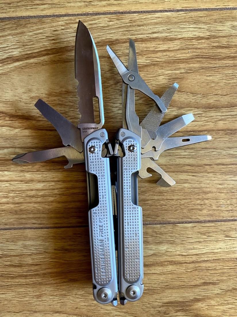 Leatherman Free P2 : Tools