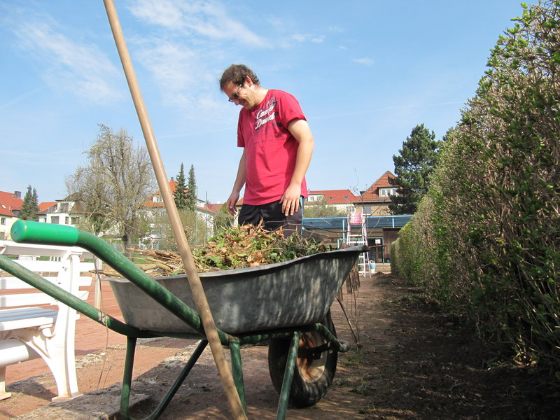 7. und 14. April: Frühjahrs-Instandsetzung der Tennisplätze