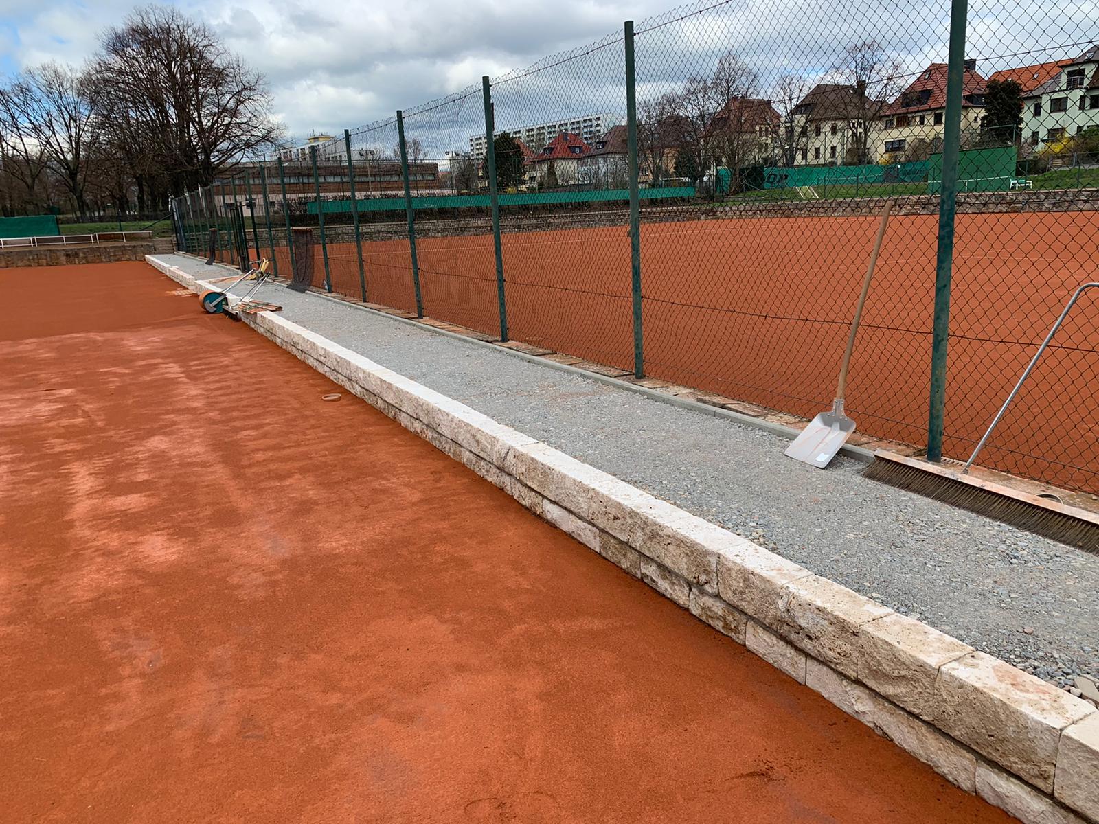 Aktueller Stand des Mittelwegs und der Tennisplätze