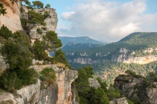The south eastern cliffs of Siurana