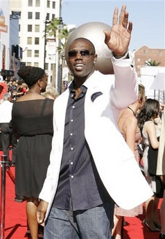 terrell owens comes to sam alipour's rescue