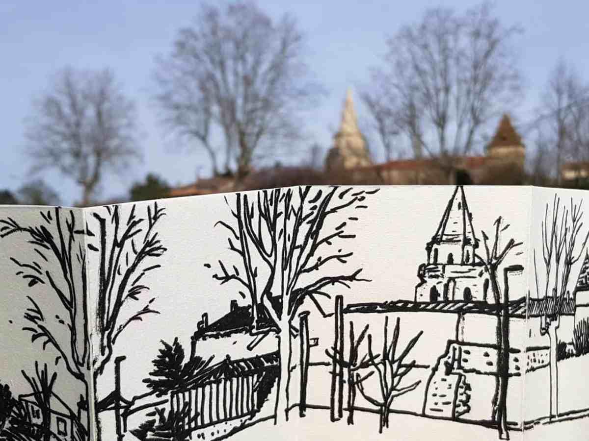 Dessin panoramique de Sainte-Colombe en Bruilhois, par Tchandra Cochet