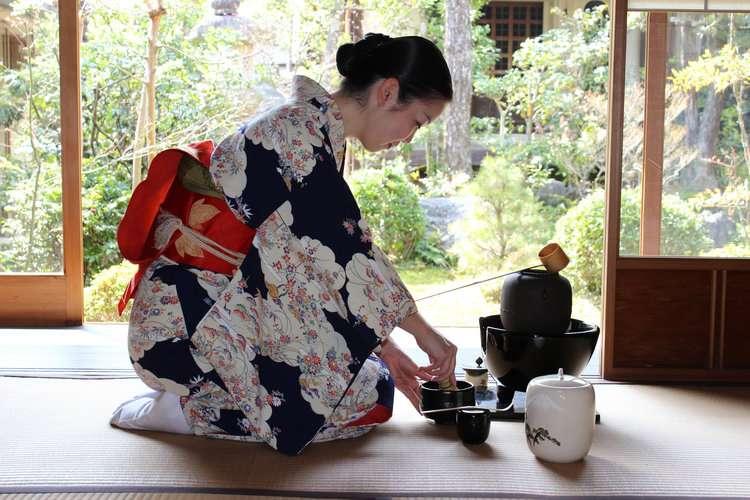 A Glimpse Into the Tea Ceremony