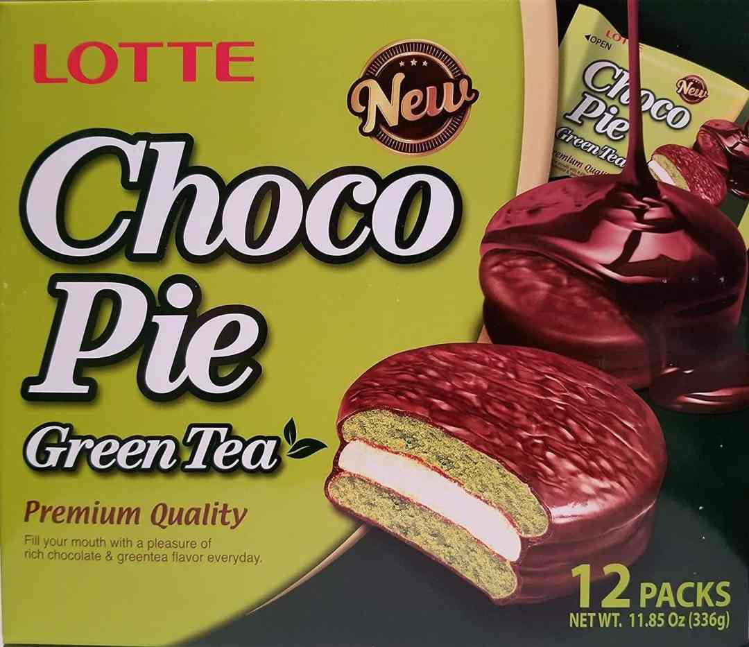 Photo of a package of Lotte Choco Pie Green Tea.