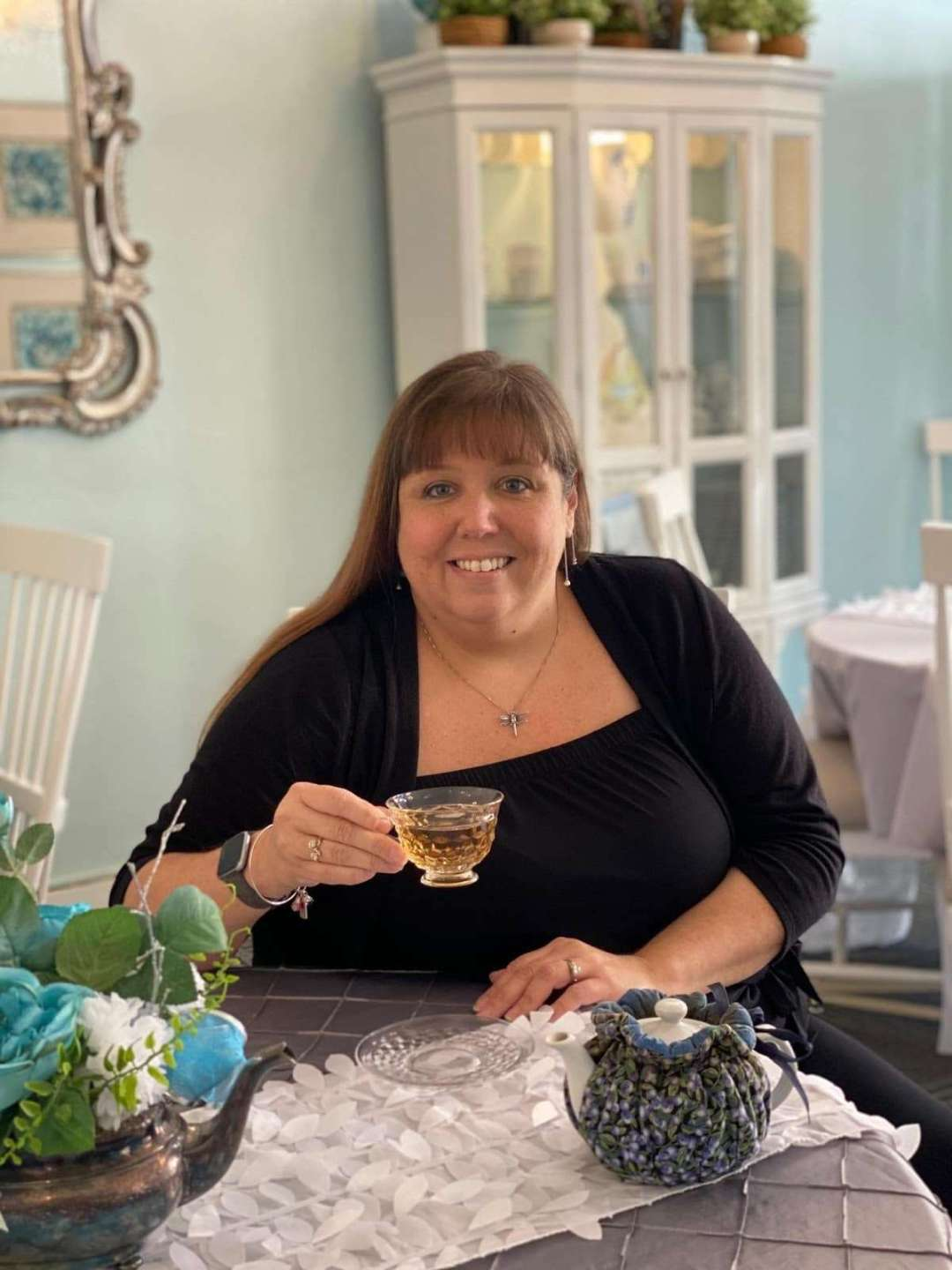 A Love Story of Tea and Business - Photo of Kelly drinking tea