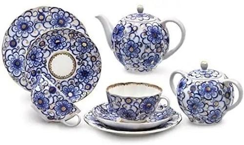 Lomonosov Porcelain Set with Bindweed Pattern