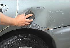 車 傷 修理 方法