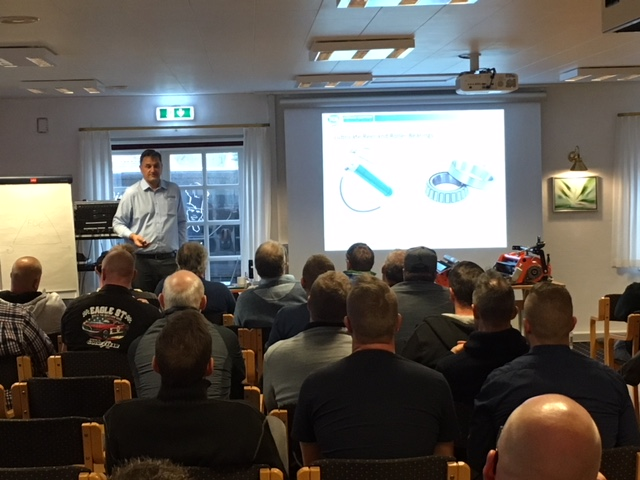 Tcs Delivers Informative Presentation To Danish Greenkeepers Association About Improving Cutting Unit Performance Tom Stidder