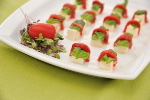 Mozzarella cubes wrapped in roasted pepper and basil - Mozzarella-cubes-wrapped-in-roasted-pepper-and-basil
