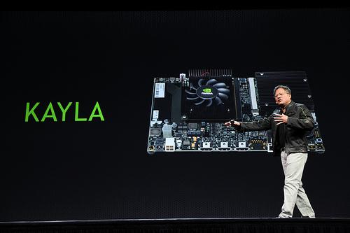 Jen-Hsun Huang, CEO de NVIDIA, présentant Kayla.