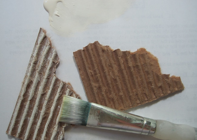 Dry brush corrugated cardboard with acrylic paint Nancy Lefko