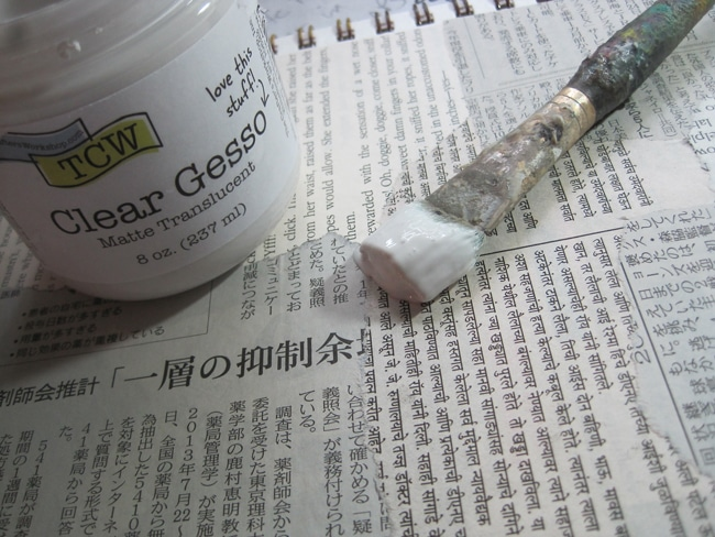 Coat papers with TCW clear gesso LEFKO