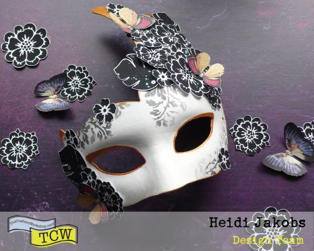 How to decorate a Venetian Carnival Mask