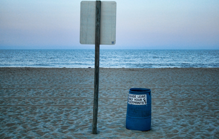 Trash_Can_Beach